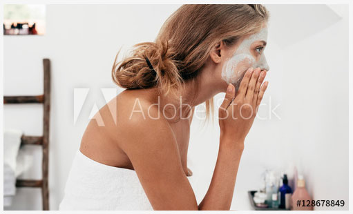 woman preparing for a skin care routine